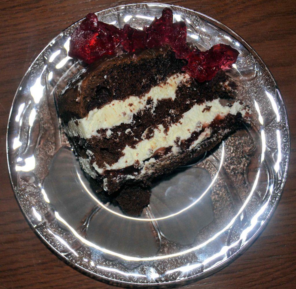 Nie masz pomysłu na pyszne ciasto? Koniecznie zrób tą wuzetkę.